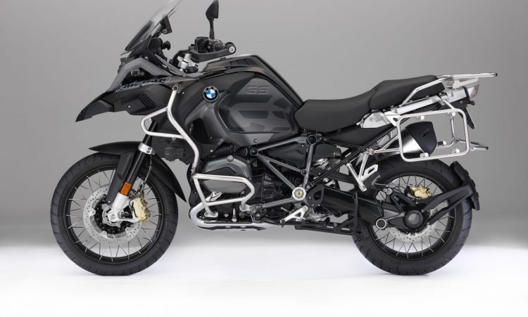 2018-bmw-r-1200-gs-adventure-buyers-guide-11