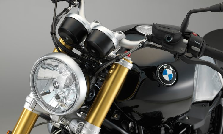 P90240323_highRes_the-new-bmw-r-ninet-