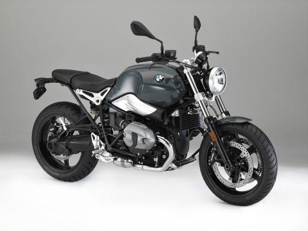 P90233749_lowRes_the-new-bmw-r-ninet-