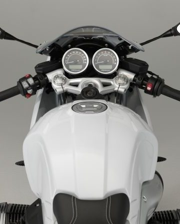 P90232663_lowRes_the-new-bmw-r-ninet-