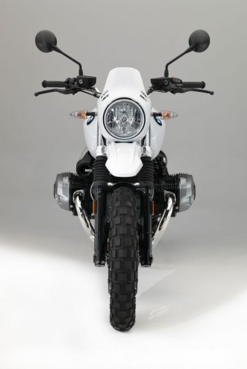 P90235464_lowRes_the-new-bmw-r-ninet-