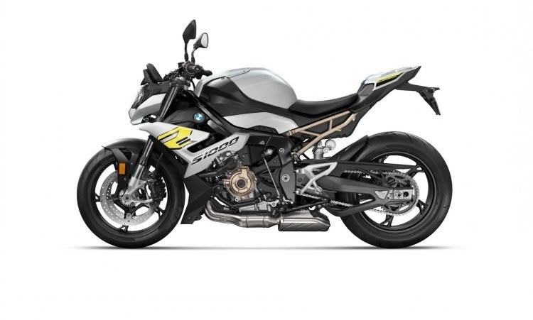 P90407254_lowRes_the-new-bmw-s-1000-r